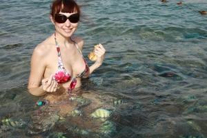 Кормлю рыбок)