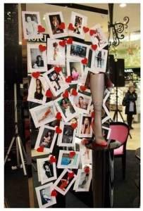 Выставка провокационных фотографий Agent Provocateur в Москве в торговом центре